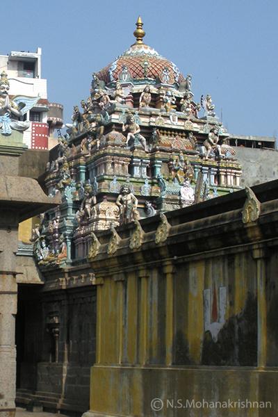 Chenna-Kesava-Perumal-Temple-Sowcarpet1