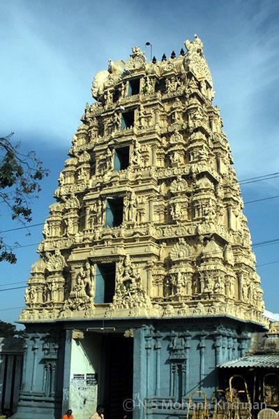 Agastheeswarar-Temple,-Walajapet3
