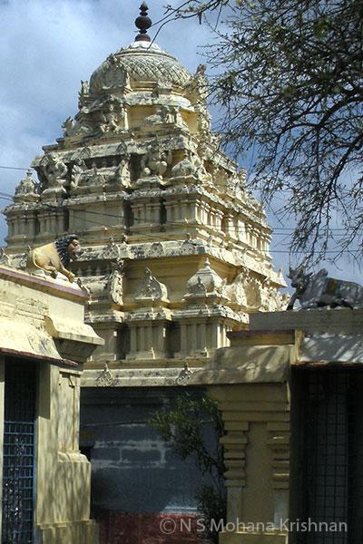 Chinnakavanam-Nootreteeswarar-Temple2