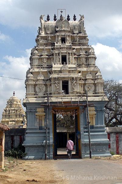 Chinnakavanam-Nootreteeswarar-Temple3