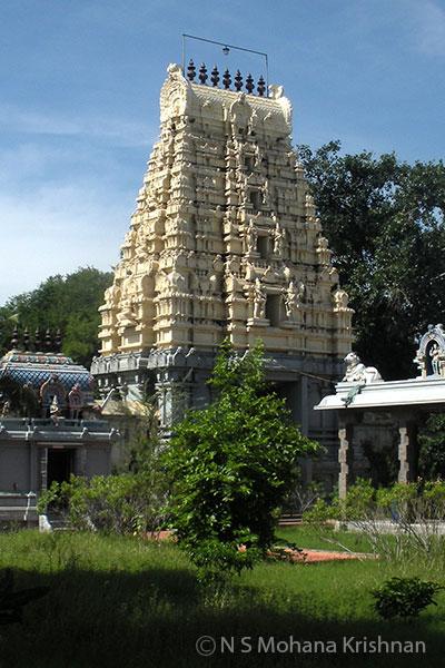Gnairu-Pushparateswarar-Temple2