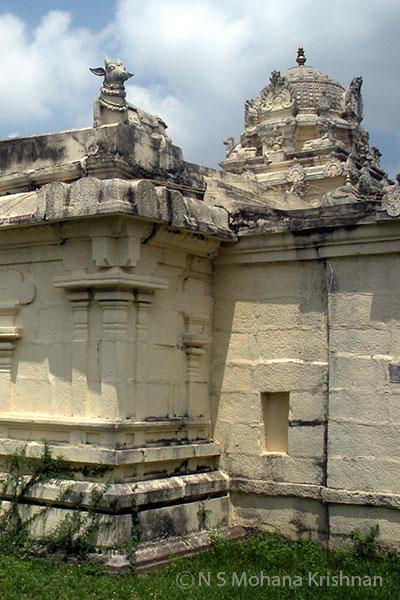 Irulanjeri-Kalingeswara-Temple4