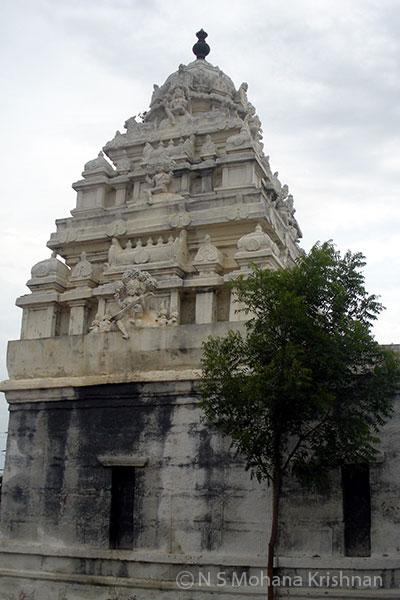 Nambakkam-Mantheeswarar-Temple1