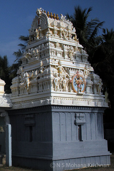 Ooraga-Varadaraja-Perumal-Temple1