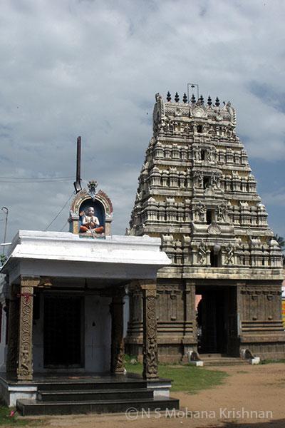 Poonamallee-Varadaraja-Perumal-Temple2