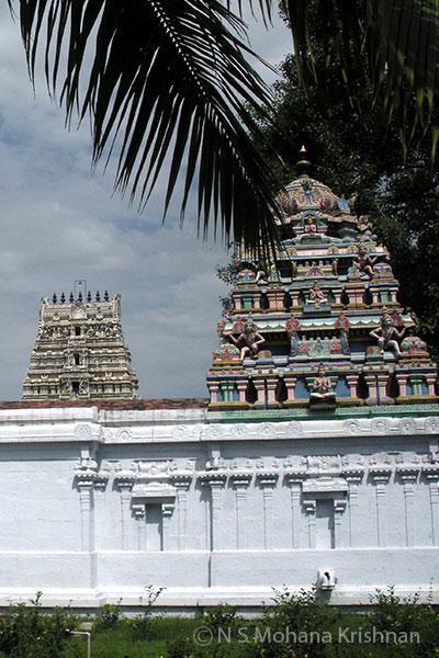Poonamallee-Varadaraja-Perumal-Temple3