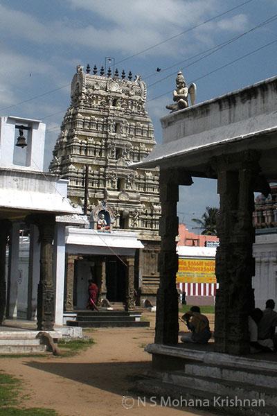Poonamallee-Varadaraja-Perumal-Temple4