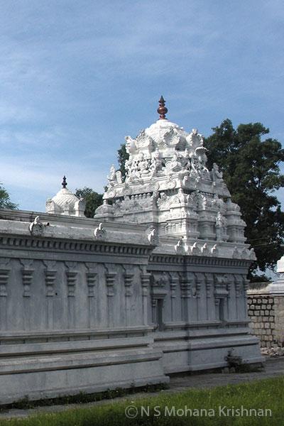 Puduvayol-Veeraraghava-Perumal-Temple2