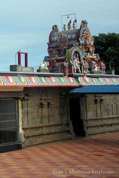 Puzhal-Thirumoolanadaswamy-temple1