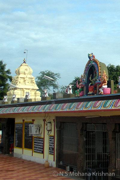 Puzhal-Thirumoolanadaswamy-temple2