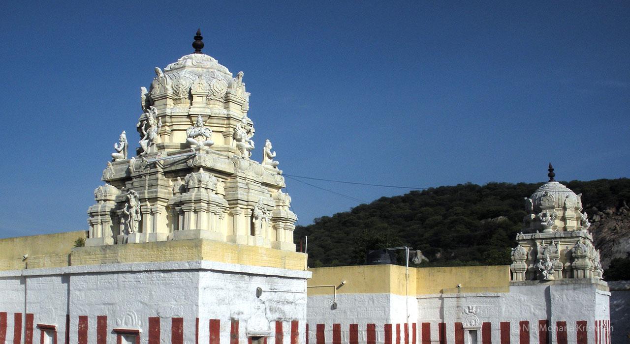 Santhanavenugopalaswamy-Temple1