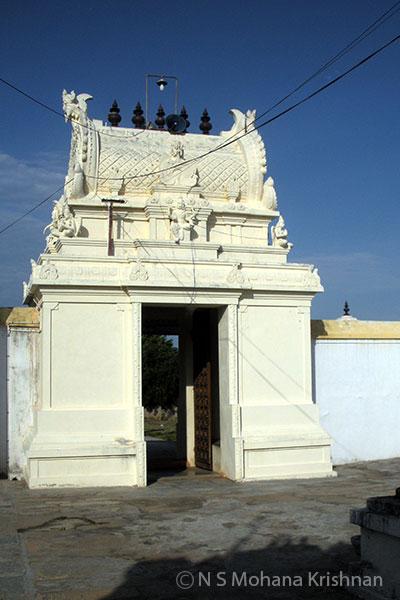 Santhanavenugopalaswamy-Temple3