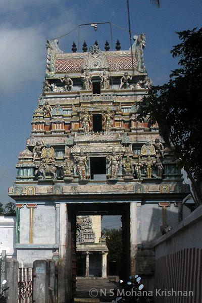 Tiruvallur-Theertheeswarar-Temple2